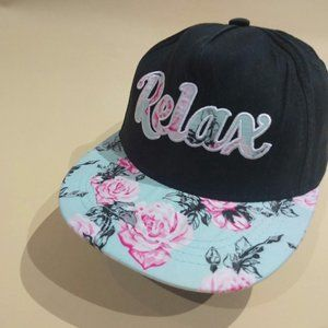 Beautiful Cap Relax with roses.